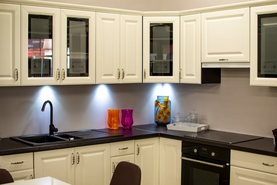 DIY Kitchen Renovation - Learn How To Renovate The Kitchen In Your Rental Property